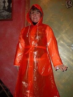 Red Raincoat, Vinyl Raincoat, Plastic Raincoat, Plastic Pants, Imper Pvc, Plastic Mac, Rain Suit, Pvc Vinyl, Raincoats For Women