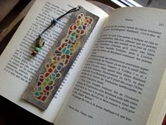 """Marque page en cuir artisanal, peint à la main """" MERCURE """" : Marque-pages par tapage"""