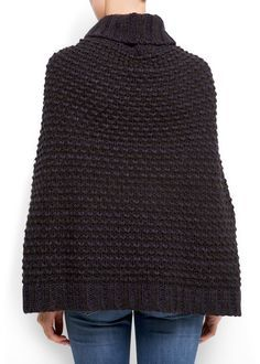 Latest trends in women's fashion. Discover our designs: dresses, tops, jeans, shoes, bags and accessories. Crochet Poncho, Knitting For Kids, Crochet Clothes, Cardigans For Women, Knit Dress, Ideias Fashion, Latest Trends, Womens Fashion, Sweaters