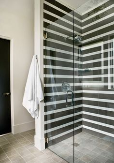 amazing use of standard black and white subway tile applied in stripes for a modern, graphic de casas interior design design design Beautiful Bathrooms, Modern Bathroom, Master Bathroom, Design Bathroom, White Bathroom, Bathroom Interior, Bath Design, Redo Bathroom, Modern Shower
