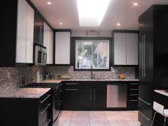 Ikea Black Kitchen Cabinets - Home Furniture Design Black Ikea Kitchen, Black Kitchen Cabinets, Black Kitchens, New Kitchen, Cool Kitchens, Kitchen Dining, Kitchen Decor, Kitchen Ideas, Home Decor Styles