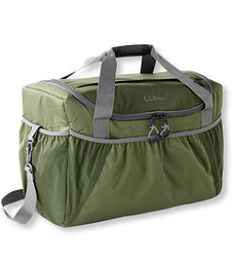 The Best Pie, Casserole, and Cake Carrier Picks for Thanksgiving Cake Carrier, Best Pie, Outdoor Apparel, Disney Christmas, Christmas Vacation, Ll Bean, Diaper Bag, Gym Bag, Footwear