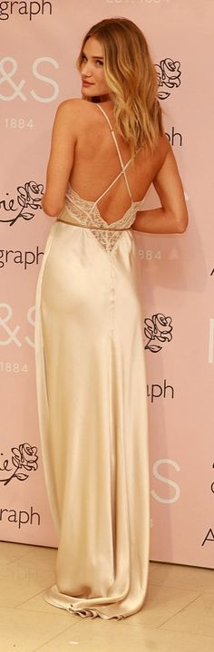 Rosie Huntington-Whiteley Style   Valentine's Day Outfit Idea