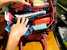 ▶ Storage Tote For My Planner (Faux Filofax) Accessories - YouTube I LOVE THIS VIDEO... reminds me of my own stuff :)