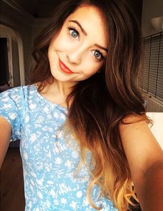 zoella is my idol and I will love her to the end💜 Zoella Makeup, Hair Makeup, Tanya Burr, Zoe Sugg, Crazy Eyes, Girl Online, Celebs, Celebrities, Girl Crushes