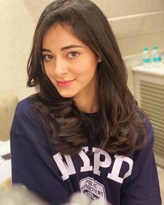 Ananya Panday is setting new beauty goals with just glossy pink lips and blow dried hair 😍 . Bollywood Girls, Bollywood Fashion, Bollywood Actress, Bollywood Stars, Bollywood Photos, Prity Girl, Swag, Most Beautiful Indian Actress, Young Models