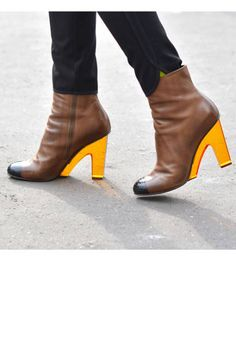 I just had to post these... they're incredible. #inspirationalfootwear #puttheseinmyclosetNOW