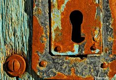 Rusted Lock - Photograph at BetterPhoto.com