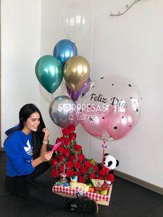 Valentine Gift Baskets, Valentine Gifts, Birthday Box, Birthday Gifts, Love Gifts, Diy Gifts, Balloon Centerpieces, Rainbow Theme, Chocolate Bouquet