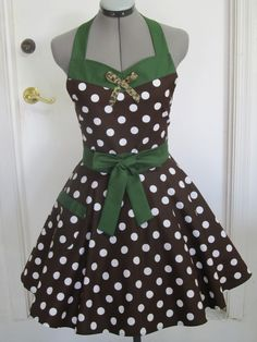 Animal Kingdom Minnie Mouse Apron Sweetheart by ApronsByVittoria, $37.00