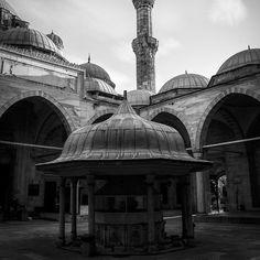 #slowtravel #slowdown #lovenature #lovelife #maketime #unwind #reconnect #memoriesforlife #happymoments #immerseyourself #lookaround #traveldeeper #turkey #wanderlust #relax #zen #travel #smilingfaces #scenicroute #culturetrip #istanbul #bluemosque . . . . . . #blackandwhitephotography #amateurs_bnw #bnw_captures #world_bnw #bnw_life #ae_bnw #bnw_society #top_bnw