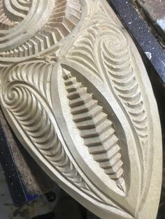 Tree Carving, Chip Carving, Maori Patterns, Polynesian Art, Bone Crafts, Maori Designs, Nz Art, Wood Carving Designs, Maori Art