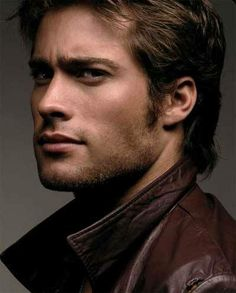 Rodrigo Diaz was born at Vincente Lòpez on 18 th January He grew up with his mother because his father died when he. Actors Funny, Hot Actors, Look Girl, Portraits, Hommes Sexy, Mans World, Attractive Men, Male Beauty, Gorgeous Men