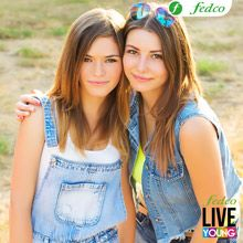 Una LIVE YOUNG nunca deja a una amiga, siempre está ahí para ella. #LIVEYOUNG Color Azul, Online Shopping