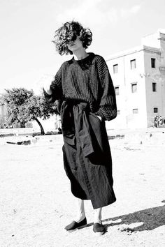 Monday outfit inspiration on Nuji Looks Style, Style Me, Monday Outfit, Slouchy Sweater, Loose Sweater, Look Fashion, Fashion Design, Vintage Stil, Mode Inspiration