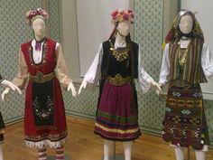 Report a traditional costume at the Lyceum of Greek Women Xanthi Greek Traditional Dress, Traditional Fashion, Traditional Outfits, Dance Costumes, Greek Costumes, Greece Art, Costumes Around The World, International Clothing, Greek Culture