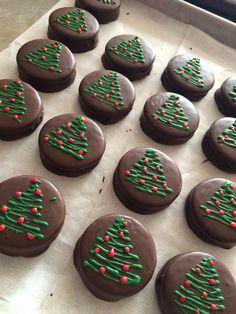 Christmas Food Gifts, Christmas Sugar Cookies, Xmas Food, Christmas Cupcakes, Christmas Goodies, Holiday Cookies, Christmas Candy, Christmas Desserts, Christmas Baking