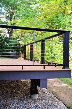 TimberTech Evolutions Contemporary Black Railing with Feneey Stainless Steel Cab. Deck Railing Design, Patio Railing, Patio Deck Designs, Deck Stairs, Balcony Design, Yard Design, Railing Ideas, Pergola Ideas, Black Railing