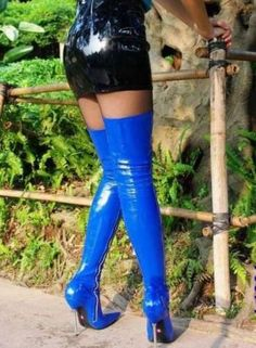 Bildergebnis für extreme Boots and Heels Thigh High Boots, High Heel Boots, Heeled Boots, Pvc Fashion, Leder Boots, Skirts With Boots, Blue Boots, Stiletto Boots, Long Boots