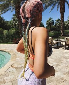 Kylie Jenner Rocks Rainbow Braids During Day Two of Coachella 2016 Kylie Jenner Coachella, Coachella 2016, Style Kylie Jenner, Nails Kylie Jenner, Kendall And Kylie Jenner, Kris Jenner, Jenner Hair, Style Hippie Chic, Gypsy Style
