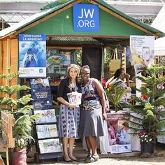 The JW stand at the Jarabacoa Flower Festival in the Dominican Republic.