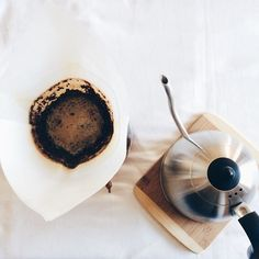Good Morning Coffee, Coffee Break, Coffee Photography, Food Photography, V60 Coffee, Coffee Cups, Food Portions, Coffee Date, Kitchens
