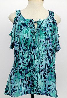 Blusa em viscose com estampa de folhagens azul 39a806edec68e