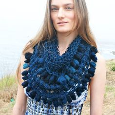 woah! who can make me a scarf that looks like this?!