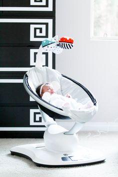 Baby Vienna s Nursery Tour   mamaRoo Giveaway   BondGirlGlam.com Poussette,  Essentiel Pour Bébé ef243025f9c