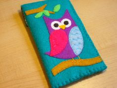 iphone case - ipod touch case - cell phone case - ipod case - Handmade Owl felt case.