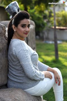 Indian Actress Hot Pics, Bollywood Actress Hot Photos, Indian Bollywood Actress, Beautiful Bollywood Actress, South Indian Actress, Actress Photos, Beautiful Girl Photo, Beautiful Girl Indian, Most Beautiful Indian Actress