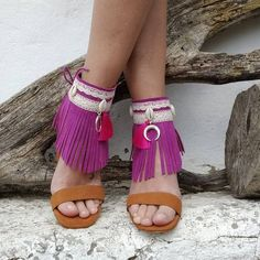 Bohemian sandals are extraordinary approach to focus on a couple of ravishing legs or basically make a design explanation. So search for shoes and shoes with… Bohemian Sandals, Boho Shoes, High Heel Sneakers, High Heels Stilettos, Bohemian Style, Boho Chic, Boho Fashion, Fashion Shoes, Bohemian Lifestyle