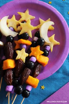 One of Ramadan's traditions is to break fast with dates; for a fun twist, fashion dates into wonderful fruit kebobs! Along with dates, we've paired melon moons, pineapple and mango stars, and purple marshmallows and grapes for a themed Ramadan treat. These are especially great to make with kids and a great activity to help …