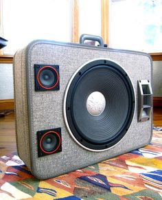 Vintage Suitcase Boomboxes -Designed by Mr. Simo, BoomCases offer a new take on speakers and stereos. #upcycled #speakers