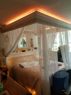 S poster bed canopy four for sale.