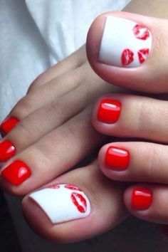Totally Cool Valentines Day Toe Nails Designs Ideas 29