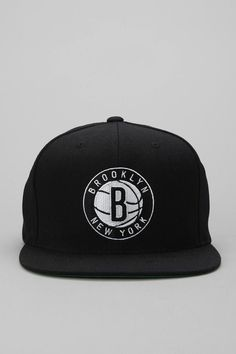 c5d6a446c02df Mitchell  amp  Ness Standard Brooklyn Nets Snapback Hat  urbanoutfitters   basketballnets Hip Hop Outfits