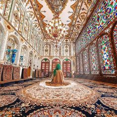 sometimes it feels so good to just sit by yourself, relax and not talk to anyone💖 Beautiful decorations of guest room in historic Molla Bashi house🌈 . Location: Isfahsn - IRAN🌍 ================ Photos by: 📹 . Architecture Baroque, Islamic Architecture, Architecture Details, Futuristic Architecture, Horse Girl Photography, Nature Photography, Shiraz Iran, Monuments, Love In Islam