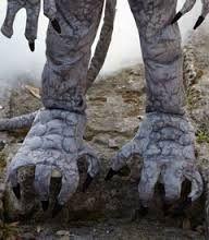 gargoyle feet - Google Search Gargoyle Costume, Garden Sculpture, Lion Sculpture, Cosplay Ideas, Costumes, Statue, Google Search, Halloween, Outdoor Decor