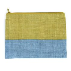 """MATERIAL outside:100% Hemp / inside:100% cotton PLACE Nara Prefecture PROCESS Nara Bleached Fabric DIMENSIONS W7.9"""" x H5.9"""" x D0.1"""" (W20cm x H15cm x D0.3cm) This pouch is perfect for carrying cosmetic"""
