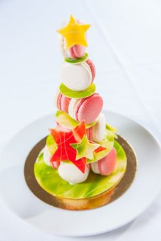 Hellooo, darling: Bel Cafe candy cane-flavoured macaron tree stacked on decorative white chocolate.