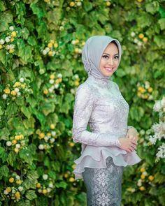 39 Ideas Birthday Party Dress Women Outfits For 2019 Kebaya Modern Hijab, Kebaya Hijab, Kebaya Dress, Kebaya Muslim, Vera Kebaya, Batik Fashion, Hijab Fashion, Party Dresses For Women, Dresses For Teens