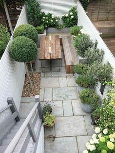 aménagement extérieur table en bois banc moderne idées