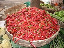 Chilies at a market in India - brought to Goa by the Portuguese. India is the world's largest producer, consumer and exporter of chili peppers. A India é um dos maiores produtores e consumidores de malagueta. Portuguese Recipes, Portuguese Food, Piri Piri, Red Chili Peppers, Sources Of Fiber, Hottest Chili Pepper, Green Beans, Spicy, Stuffed Peppers