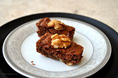 Chocolate Walnut Brownies - an easy recipe for these yummy crowd pleasers