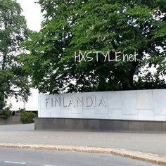 AJANKOHTAISTA FINLANDIA talo, Kongressi ja Tapahtumakeskus,  Alvar Aalto DESIG v. 1971. Tuttu rakennus minulle vuosia sitten, viihtysä paikka. NÄYTTELY ATENEUM, SUOMI100 tapahtuma, AALTO Desig tuotantoa esillä runsaasti.  HYMY #blogi #kulttuuri #ajankohtaista #alvaraalto #desig #finlandiatalo #suomalainen #kuuluisa #maailma #arkkitehtuuri #rakennus #suomi100 🌍📰📚📷🔑💡☺😉💓