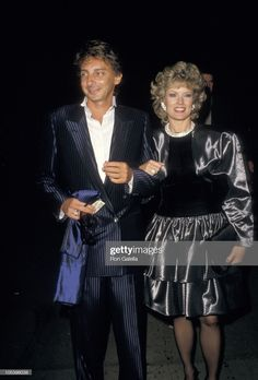 Barry Manilow and Mary Hart during American Cinematheque Movie Ball at Hollywood Palladium in Hollywood, California, United States. Get premium, high resolution news photos at Getty Images Mary Hart, Barry Manilow, Presents For Men, My One And Only, Still Image, In Hollywood, American, Singers, Movies
