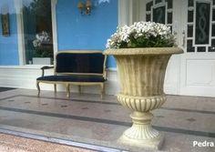 O requinte de uma entrada #DamosVidaaoseuJardim #Hall #TermasdeSãoPedrodoSul #Jardim #Portugal #jardim #garden #garten #pierreconstituée #aguadadecima #águeda #aveiro #portugal #pedravelha