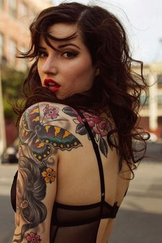 http://cdn.inkedmag.com/wp-content/uploads/2013/11/5-Model-Elwood-tattoo-by-Valerie-Vargas.jpg