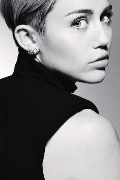 Mil Miley Cyrus, Pretty People, Beautiful People, Miley Tattoos, Miley Stewart, Billy Ray Cyrus, Portraits, Liam Hemsworth, Hannah Montana